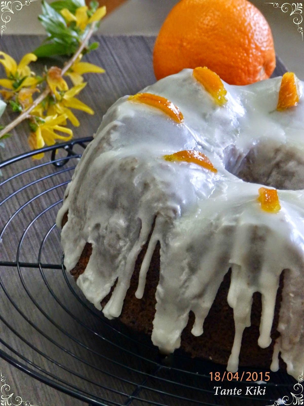 Κέικ πορτοκαλιού με παπαρουνόσπορο και γλάσο βουτύρου