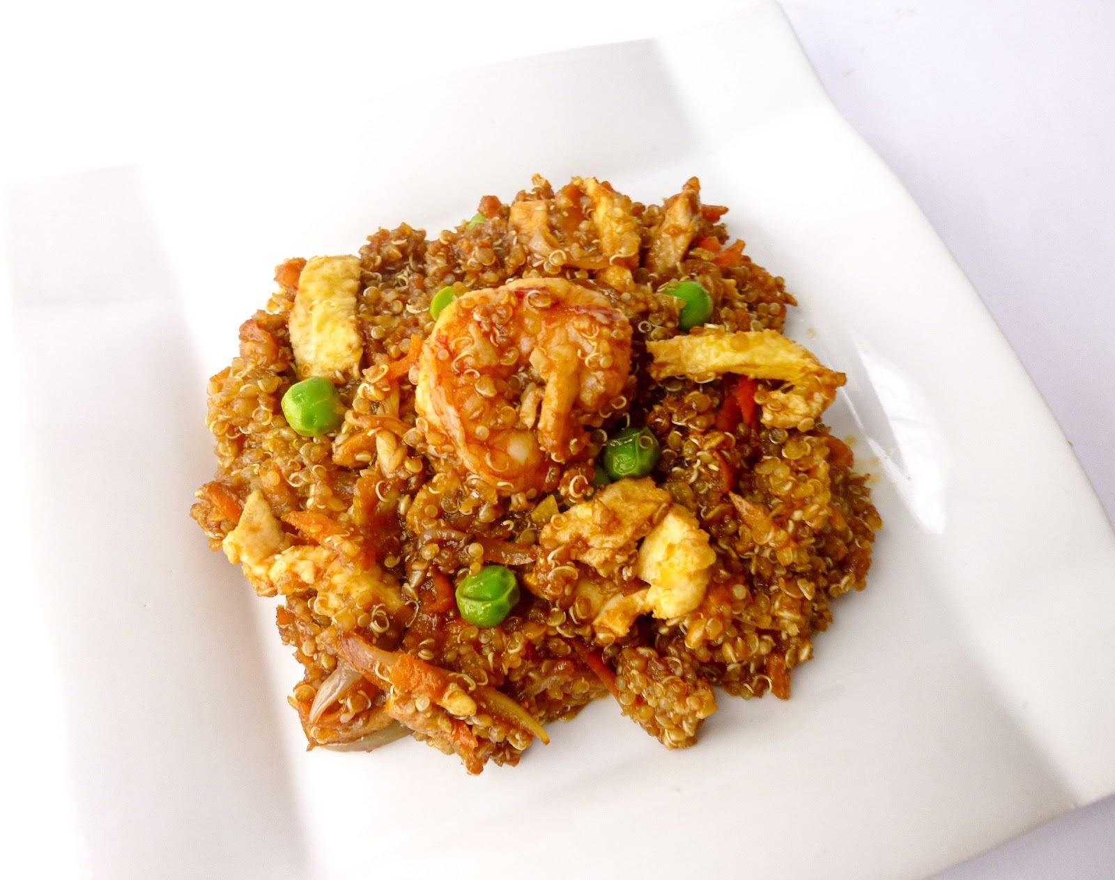 Quinoa Salteada son Verduras, Gambones y Pollo
