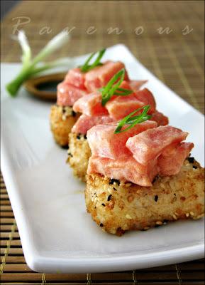 Atum picante com arroz crocante