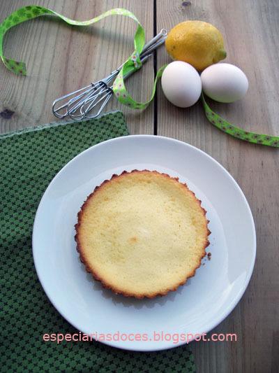 Cheesecake de limão com calda de amora