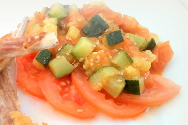 Salteado de calabacin y tomate para acompañar