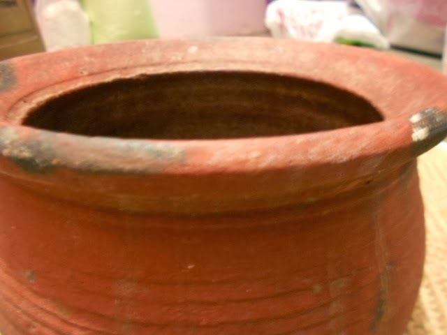 Cooking with Clay pot