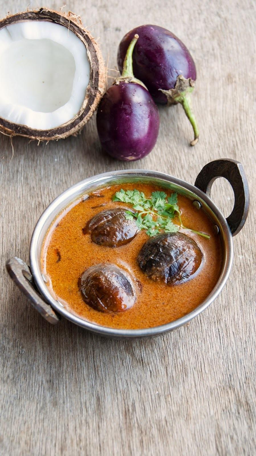 Baingan ka Khatta / Baby Brinjals in tangy sauce