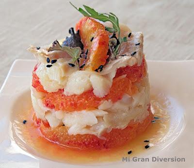 Ensalada de bacalao confitado con naranja