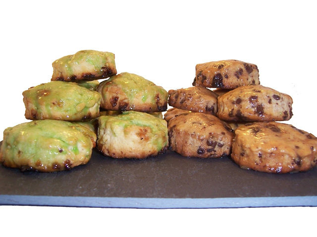 SCONES CON CHOCOLATE DE SABORES