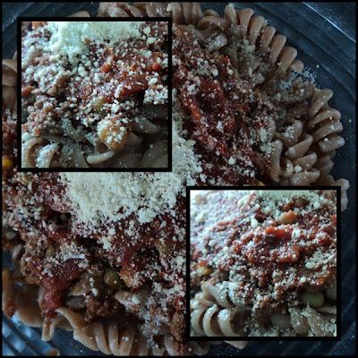 macarrao integral com molho de carne moida