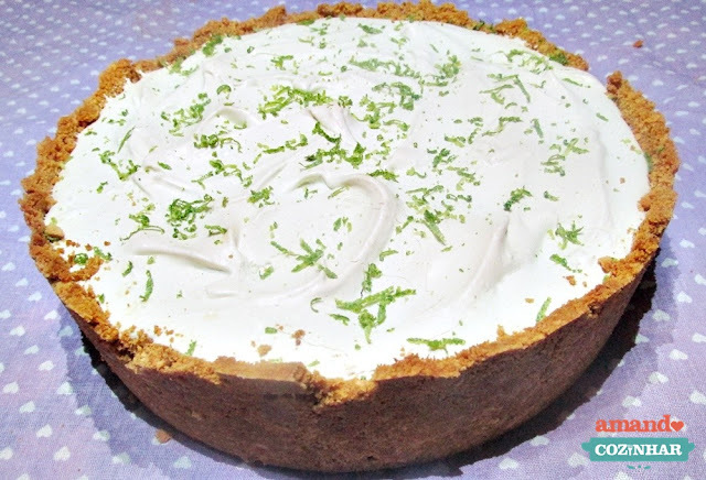 Torta de limão com biscoito