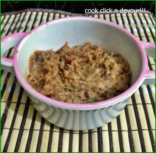 Onion chutney (Vengaya chutney)-Resturant style