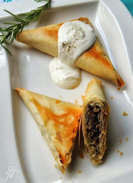 Mediteranski trokutići s janjetinom i povrćem