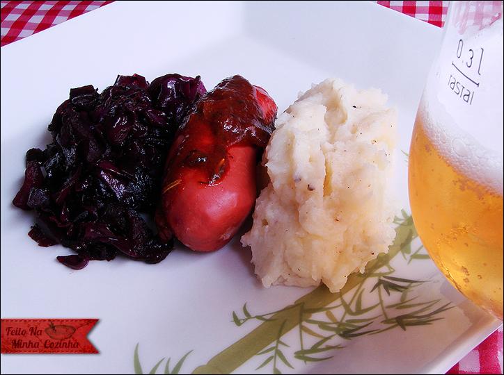 Purê de Batatas com Repolho Roxo e Maçã