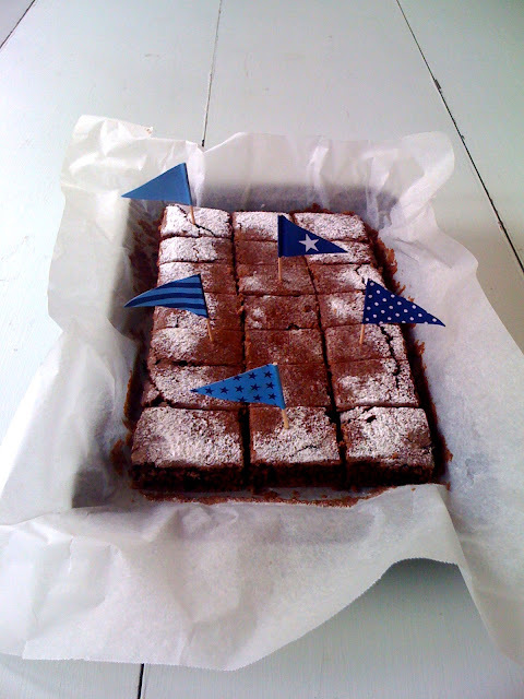 Vegan chocolate-hazelnut spread and Vegan chocolate brownie