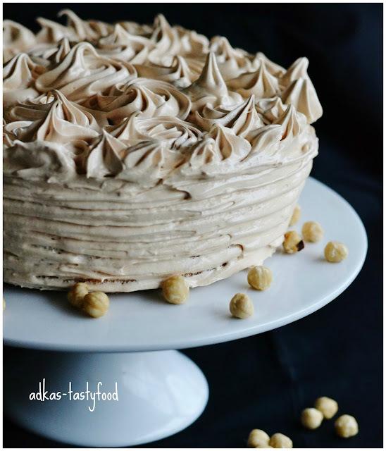 Oriešková torta s karamelovou penou