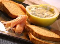 molho de maracujá com creme de leite para salmão