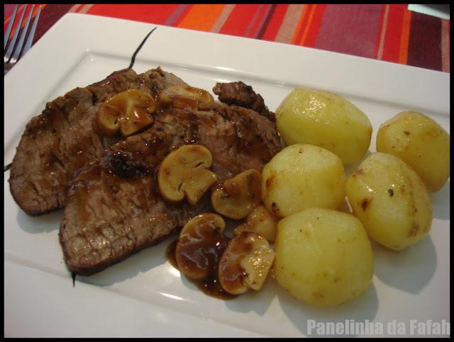 Filé  Mignon  com Cogumelos e Batata  Bolinha