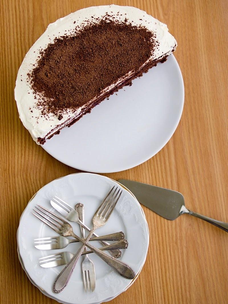 Kakaový půl-dort s lehkým mascarpone krémem