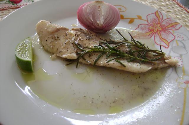 file de peixe linguado assado
