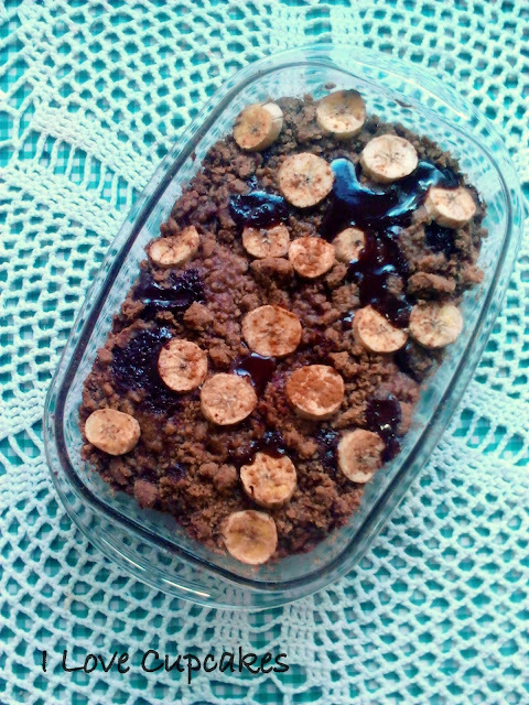 Crumble de banana e chocolate