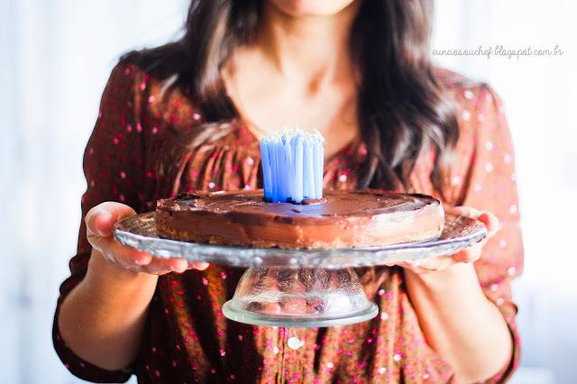 Cheesecake de Nutella com calda de morangos para comemorar!