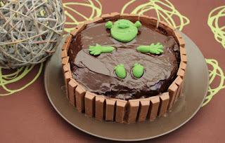 Gâteau bain de boue de Shrek, gâteau chocolat, nappage chocolat au thermomix ou sans - Sweet Table Shrek