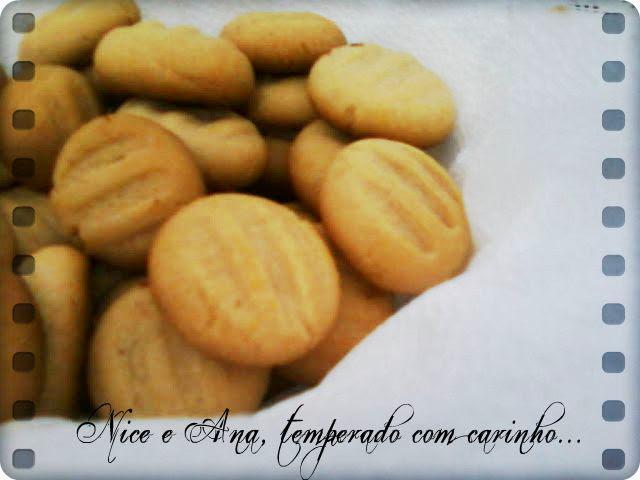 Biscoitos de Canela e Mel
