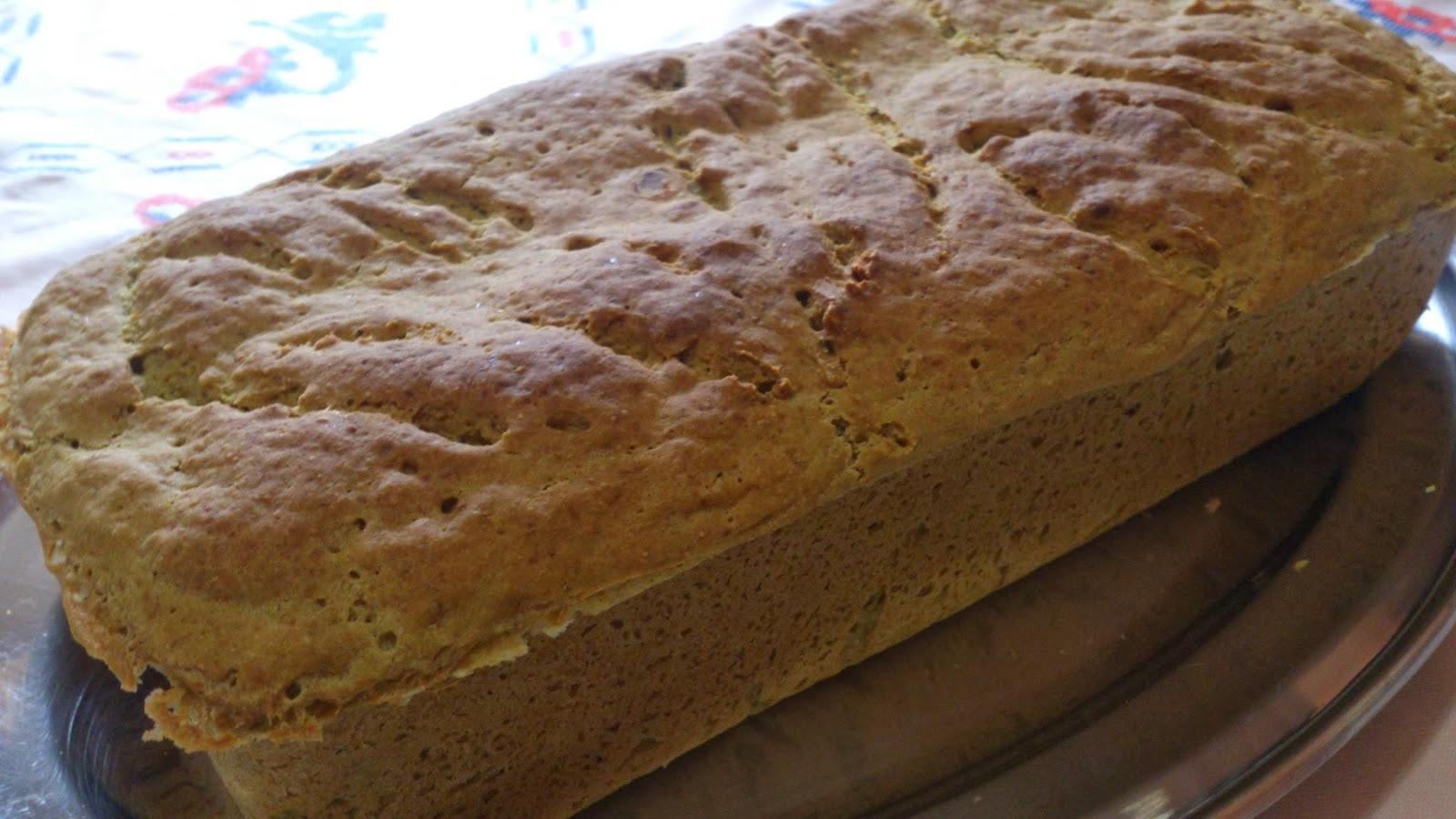 Pão  de espinafre e linhaça, o verdinho que faz festa!