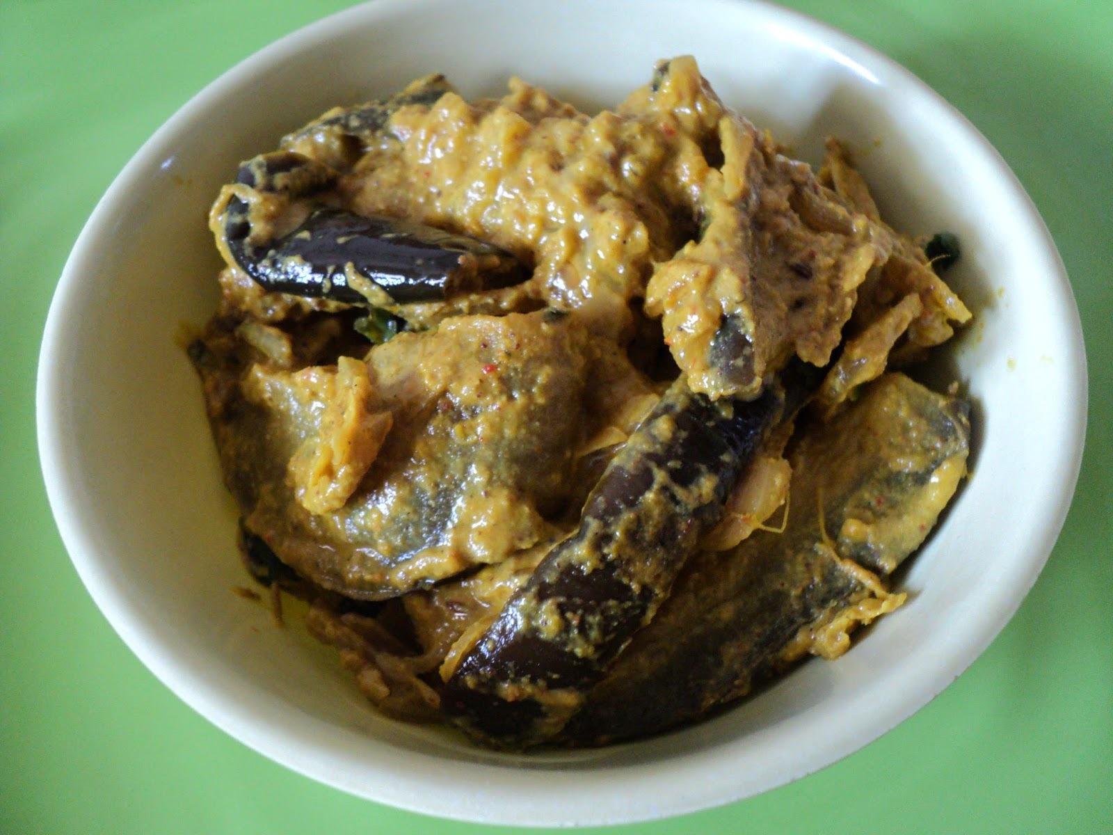 Maseladar Baingan (Spicy Eggplant Curry)