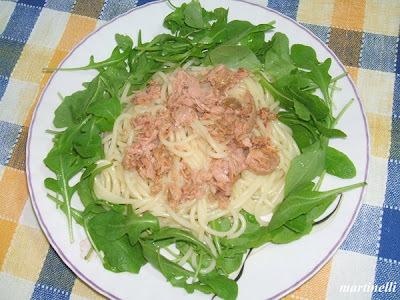 Tonhalas spagetti rukkolával