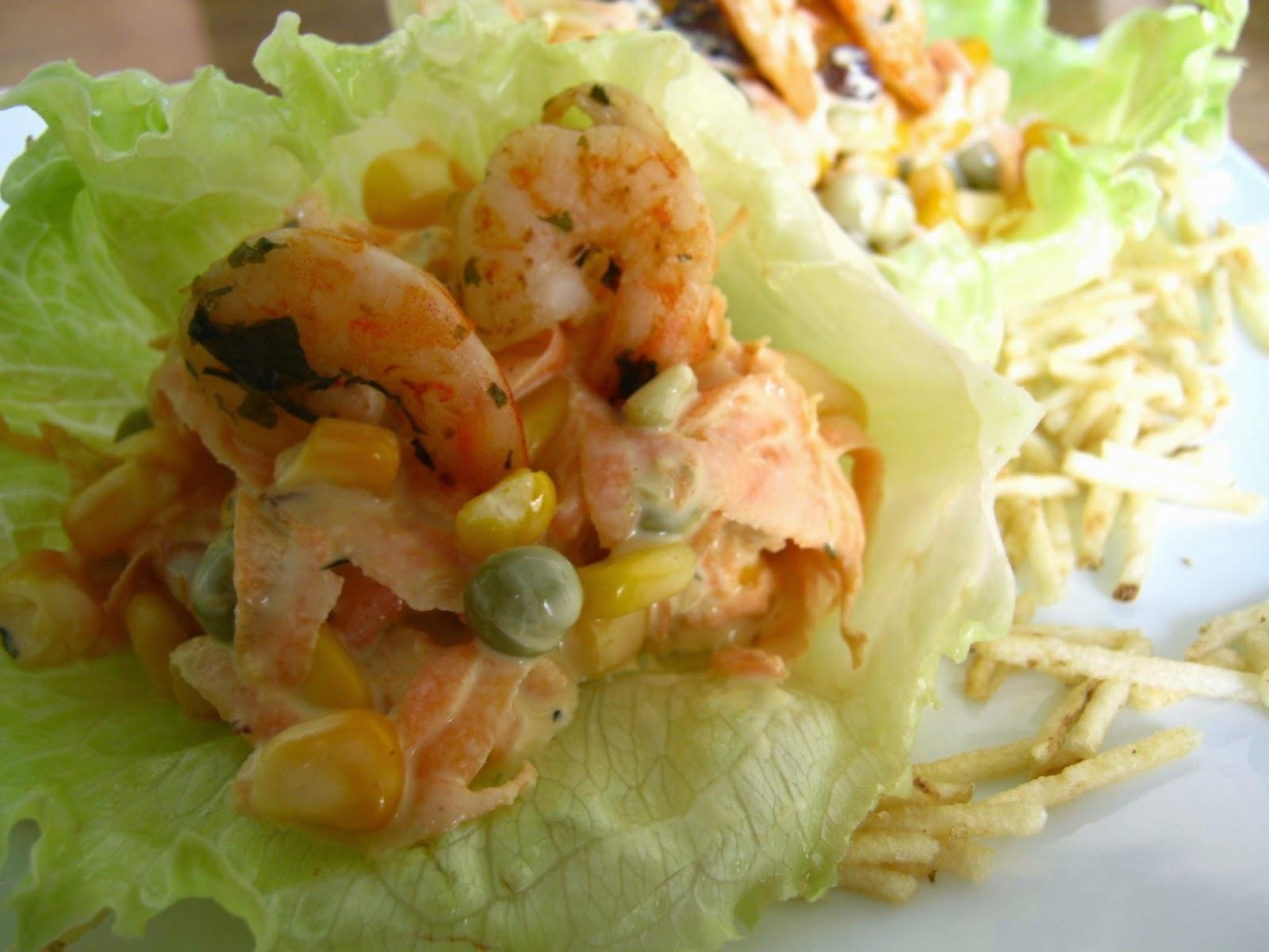 Conchinhas de alface com salpicão de camarão