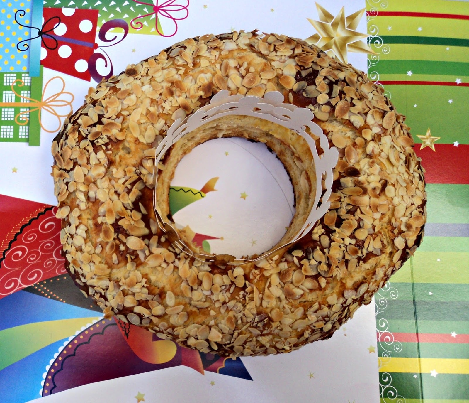 Roscón de Reyes con crema de turrón