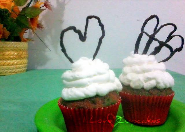 Cupcake Colorido & Mini escultura em chocolate