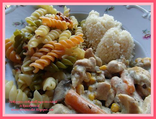 Tárkonyos csirkemell ragu tésztával és kuszkusszal