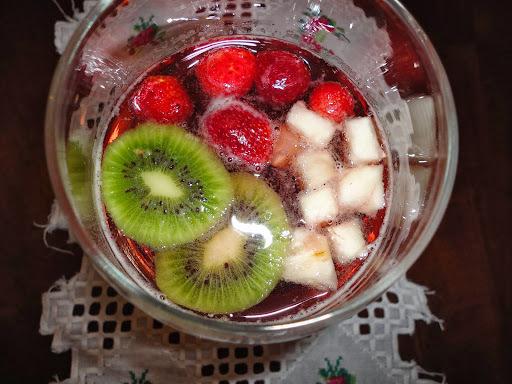 ponche gelado com frutas