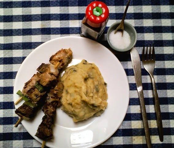 Brochetas (o anticuchos) de carne