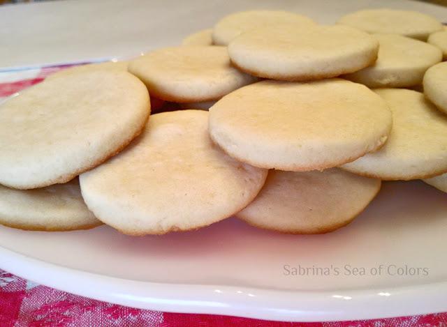 Galletas de mantequilla y decoración con glasa real (royal icing)