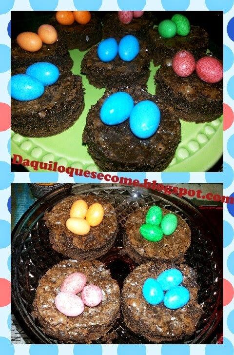 Ninhos  de Brownie com ovinhos de M&M's.