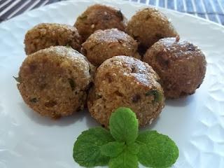 Bolinho de triguilho (trigo para quibe) e batata