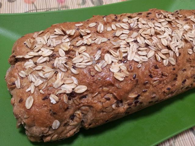 Pão integral facinho com aveia e linhaça