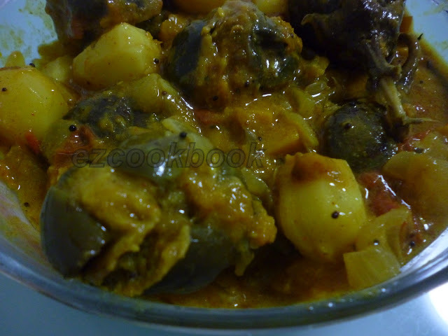 Stuffed Brinjal Potato / Bharawan Aloo Baigan
