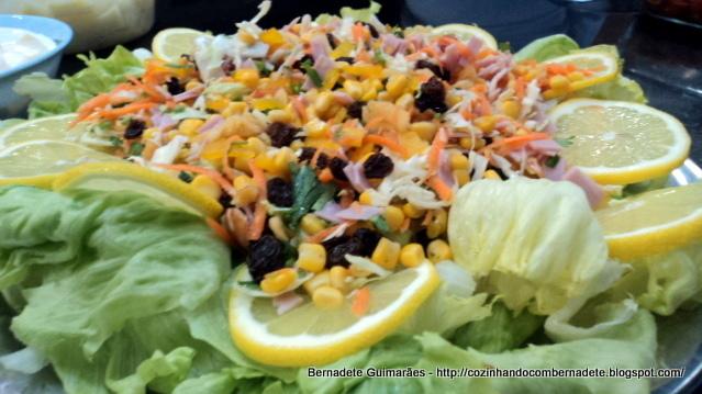 salada de repolho com frango desfiado e maionese
