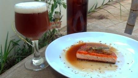Salmão ao molho Victoriano (cerveja escura)