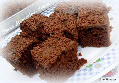 nega maluca recheada com nata e chocolate