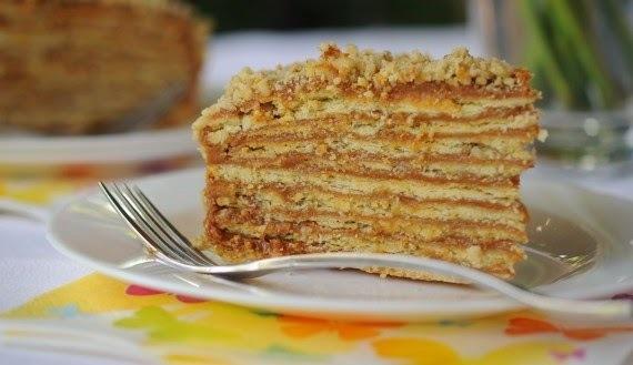 torta de hojarasca manjar