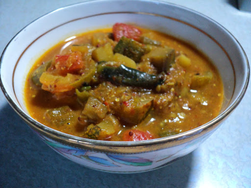 Besara ( Vegetables in a light mustard gravy )