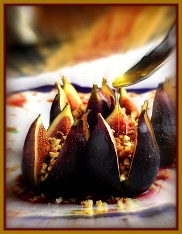 Figos com mel, amêndoas e especiarias