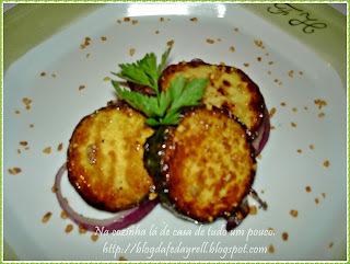 salada berinjela temperada e frita