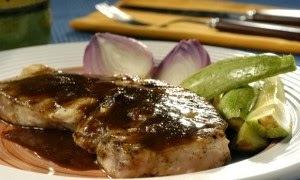 Peixe Grelhado com Molho Agridoce