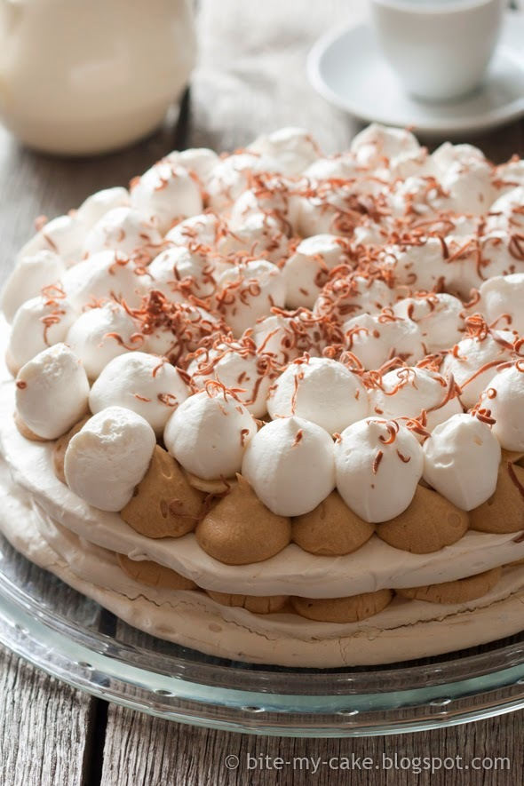 Slatko s Dolcelom: torta s beze korama, bananama i mliječnom čokoladom