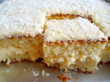 bolo de morango com leite ninho simples