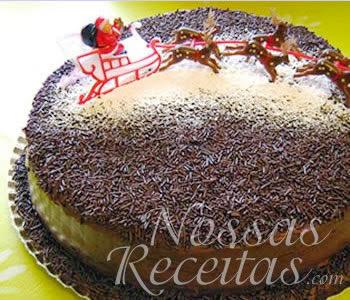 bolo de chocolate com recheio de brigadeiro assado juntos