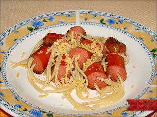 Salsicha com Espaguete Criativo